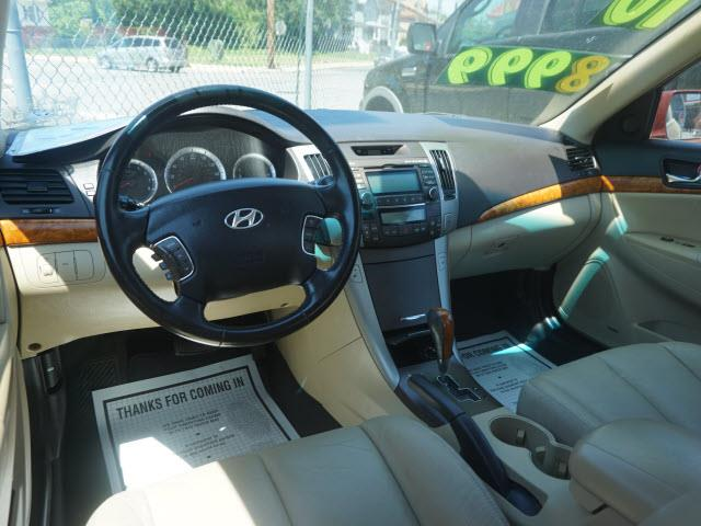 2010 Hyundai Sonata SE V6 4dr Sedan - Plainfield NJ