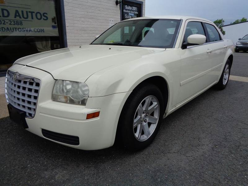 2006 Chrysler 300 Base 4dr Sedan - Stafford VA
