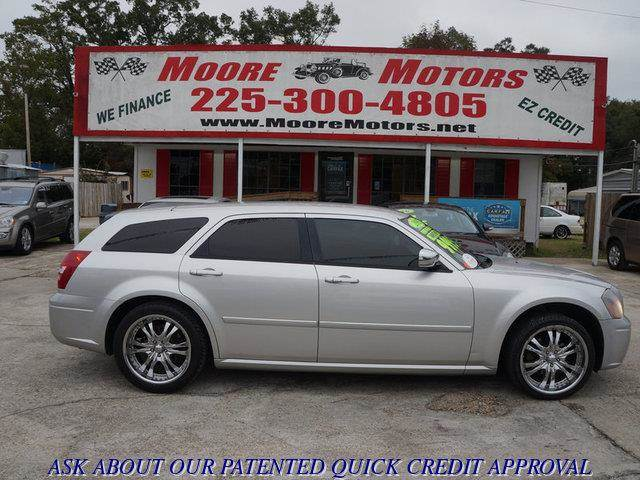 2007 DODGE MAGNUM SE 4DR WAGON silver at moore motors everybody rides good credit bad credit n
