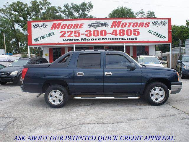 2004 CHEVROLET AVALANCHE 1500 4DR CREW CAB RWD blue at moore motors everybody rides good credit