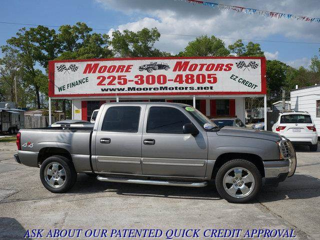 2007 CHEVROLET SILVERADO 1500 CLASSIC 1500 LT1 4WD silver at moore motors everybody rides good