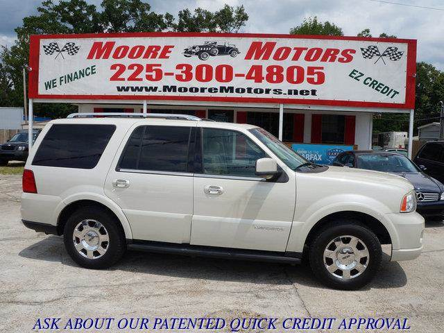 2006 LINCOLN NAVIGATOR 2WD LUXURY white at moore motors everybody rides good credit bad credit