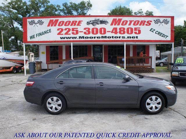 2007 TOYOTA CAMRY LE 4DR SEDAN 24L I4 5A gray at moore motors everybody rides good credit b