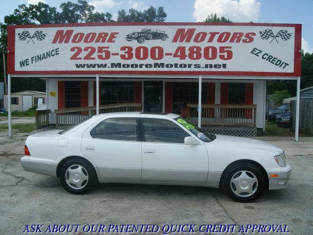 2000 LEXUS LS 400 BASE 4DR STD SEDAN white at moore motors everybody rides good credit bad cre