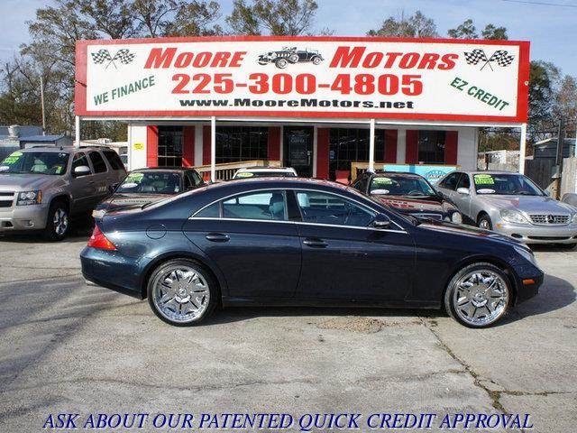 2006 MERCEDES-BENZ CLS-CLASS CLS500 4DR SEDAN blue at moore motors everybody rides good credit