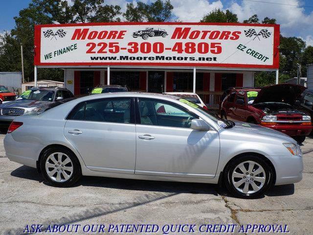 2005 TOYOTA AVALON XLS 4DR SEDAN silver at moore motors everybody rides good credit bad credit