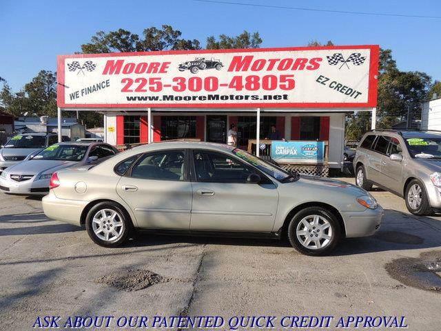 2006 FORD TAURUS SE 4DR SEDAN tan at moore motors everybody rides good credit bad credit no p