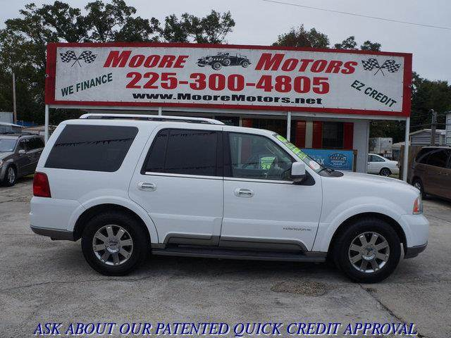 2004 LINCOLN NAVIGATOR LUXURY 4DR SUV white at moore motors everybody rides good credit bad cr