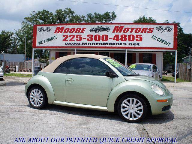 2008 VOLKSWAGEN NEW BEETLE SE CONVERTIBLE green at moore motors everybody rides good credit bad