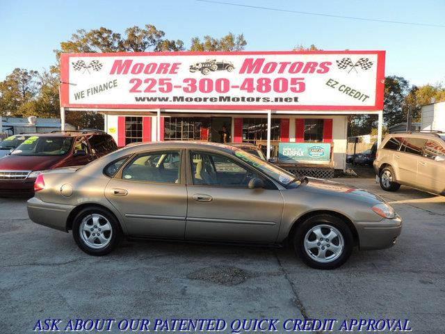 2005 FORD TAURUS SE 4DR SEDAN gold at moore motors everybody rides good credit bad credit no