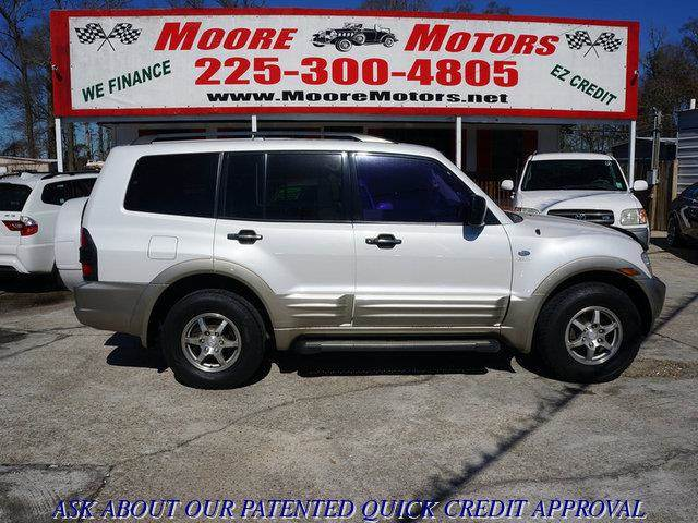 2002 MITSUBISHI MONTERO XLS 4WD 4DR SUV white at moore motors everybody rides good credit bad c