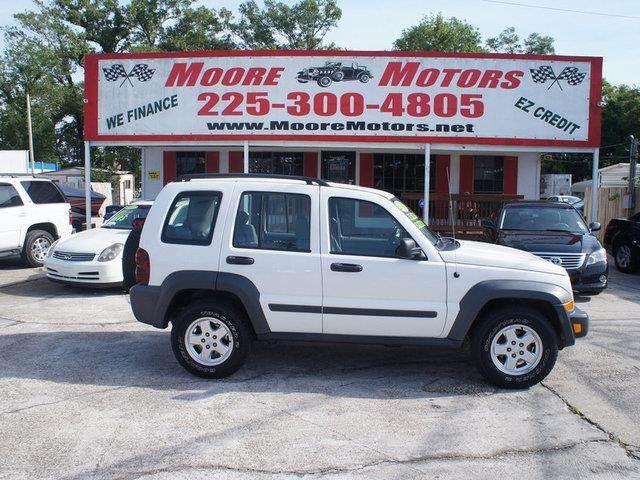 2007 JEEP LIBERTY SPORT 4DR SUV white at moore motors everybody rides good credit bad credit n