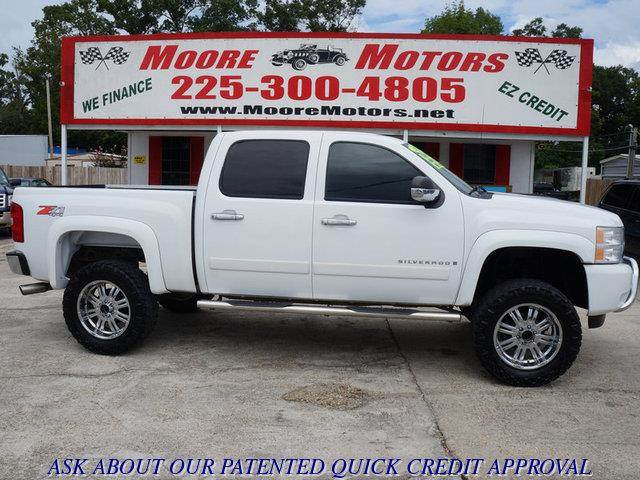 2008 CHEVROLET SILVERADO 1500 1500 LT Z71 4WD white at moore motors everybody rides good credit