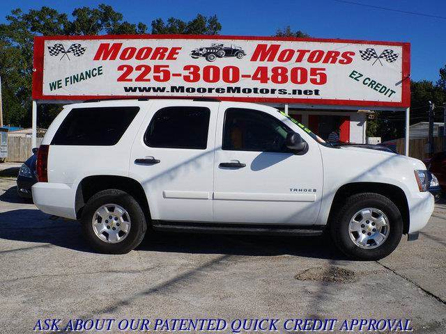 2009 CHEVROLET TAHOE LS 4X2 4DR SUV white at moore motors everybody rides good credit bad credi
