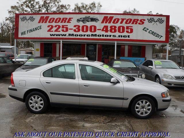 2001 VOLVO S60 24 4DR SEDAN silver at moore motors everybody rides good credit bad credit no