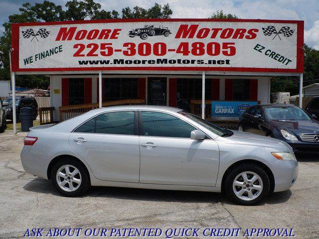 2007 TOYOTA CAMRY LE 4DR SEDAN 24L I4 5A silver at moore motors everybody rides good credit