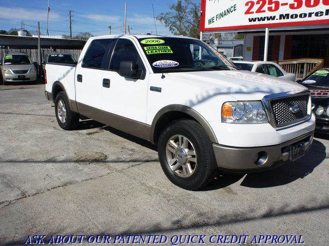 2006 FORD F-150 LARIAT SUPERCREW 2WD white at moore motors everybody rides good credit bad cred