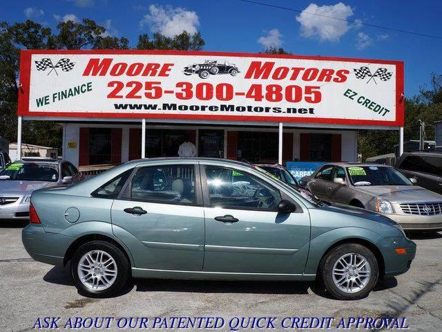 2005 FORD FOCUS ZX4 SE 4DR SEDAN green at moore motors everybody rides good credit bad credit