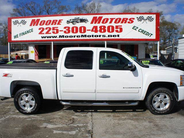 2008 CHEVROLET SILVERADO 1500 1500 LTZ CREW CAB 4WD white at moore motors everybody rides good c