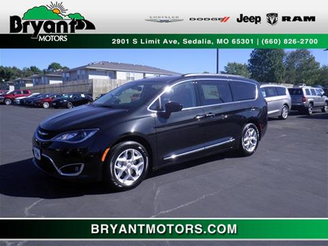 2017 Chrysler Pacifica for sale in Sedalia, MO