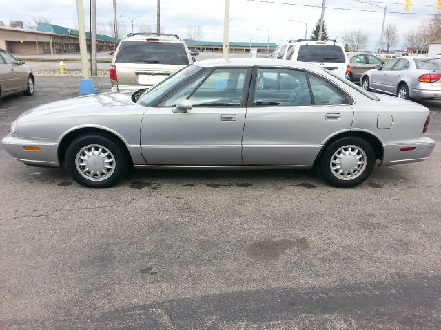 1998 oldsmobile eighty eight base 4dr std sedan in wauseon oh wagner motors llc. Black Bedroom Furniture Sets. Home Design Ideas