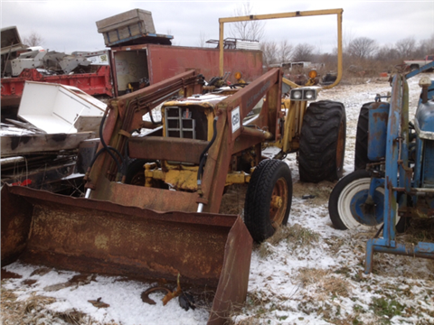 International With Loader  2500 Series for sale in Gilman, IL