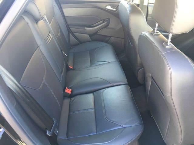 2015 Ford Focus SE 4dr Hatchback - Tustin CA