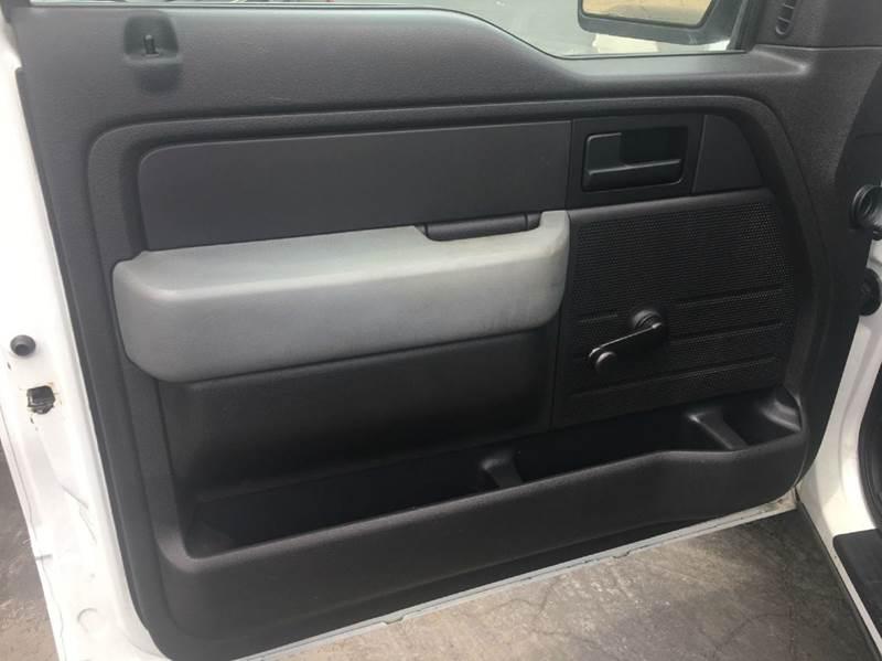 2011 Ford F-150 4x2 XL 2dr Regular Cab Styleside 8 ft. LB - Tustin CA