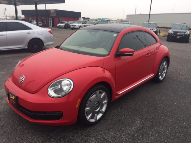 2013 volkswagen beetle 2 5l fender edition 2dr hatchback. Black Bedroom Furniture Sets. Home Design Ideas