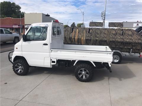 2000 Mitsubishi Mini Truck