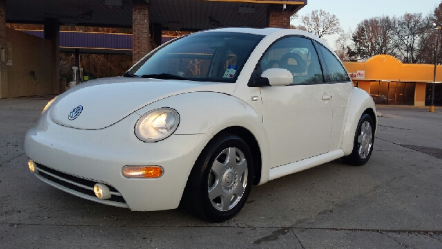 2001 VOLKSWAGEN NEW BEETLE GLS TDI 2DR HATCHBACK white this is the highly sought after turbo siese