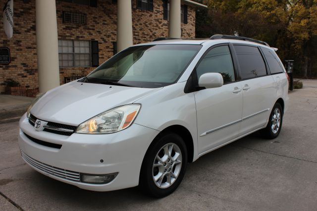 2004 TOYOTA SIENNA XLE LIMITED 7 PASSENGER 4DR MINI white this not your regular sienna this xle l