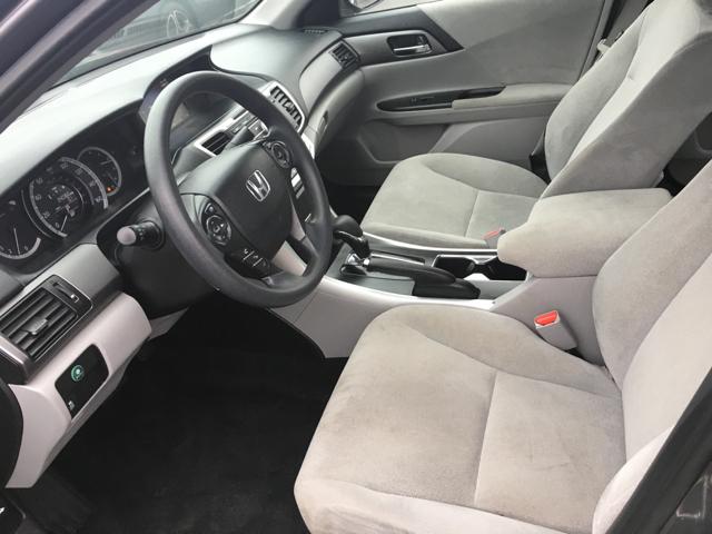 2013 Honda Accord LX 4dr Sedan CVT - West Chester OH