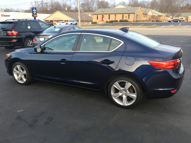 2014 Acura ILX 2.0L 4dr Sedan - West Chester OH