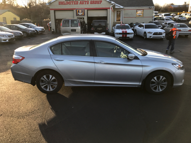 2015 Honda Accord LX 4dr Sedan CVT - West Chester OH