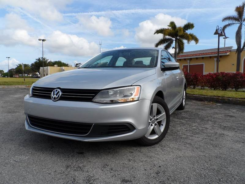 2015 volkswagen jetta s 4dr sedan 6a w technology in west park fl gb enterprises international. Black Bedroom Furniture Sets. Home Design Ideas