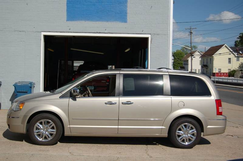 2008 Chrysler Town and Country Limited 4dr Mini-Van - Harrington DE