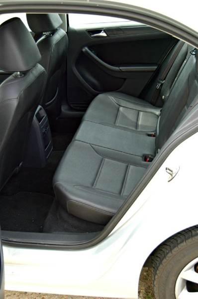 2011 Volkswagen Jetta SE PZEV 4dr Sedan 6A - Harrington DE
