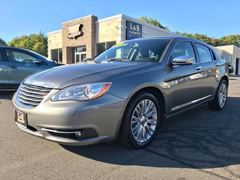 2013 Chrysler 200 for sale in Plantsville, CT