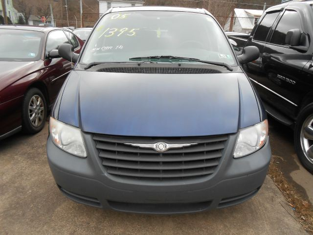 2005 Chrysler Town and Country for sale in Shamokin PA