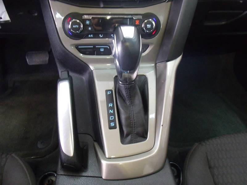 2012 Ford Focus SEL 4dr Sedan - Chicago IL