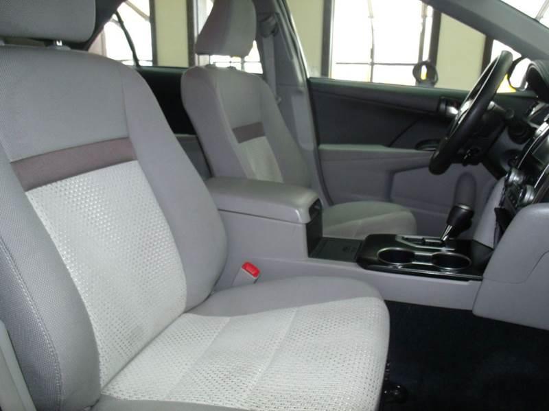 2013 Toyota Camry LE 4dr Sedan - Chicago IL