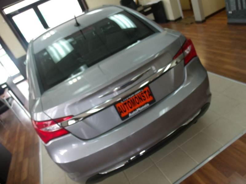 2013 Chrysler 200 Touring 4dr Sedan - Chicago IL