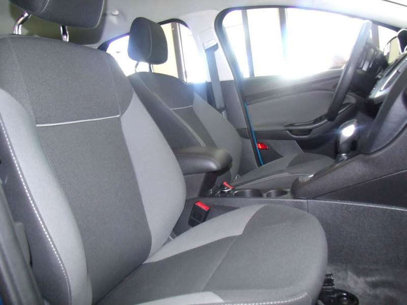 2012 Ford Focus SE 4dr Hatchback - Chicago IL