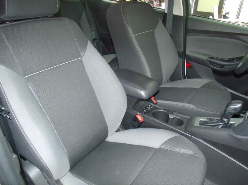2013 Ford Focus SE 4dr Sedan - Chicago IL