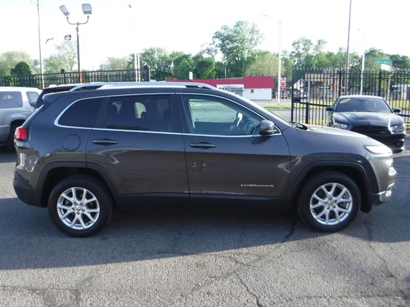 2014 jeep cherokee latitude 4dr suv in detroit mi twins auto sales inc. Cars Review. Best American Auto & Cars Review