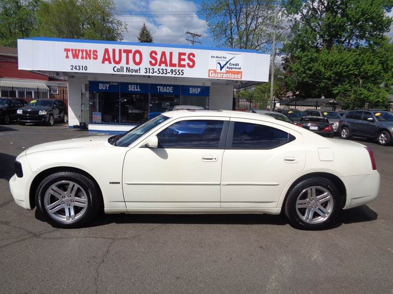 2006 DODGE CHARGER RT 4DR SEDAN white 2006 dodge charger rt super cleanmust seehemiwe fin