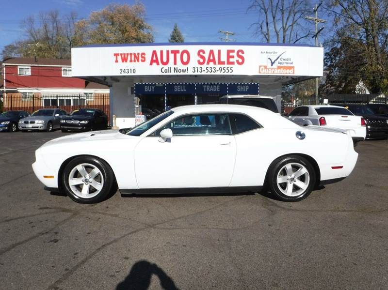 2013 DODGE CHALLENGER SXT 2DR COUPE white 2013 dodge challenger sxt super cleanmust seewe fi