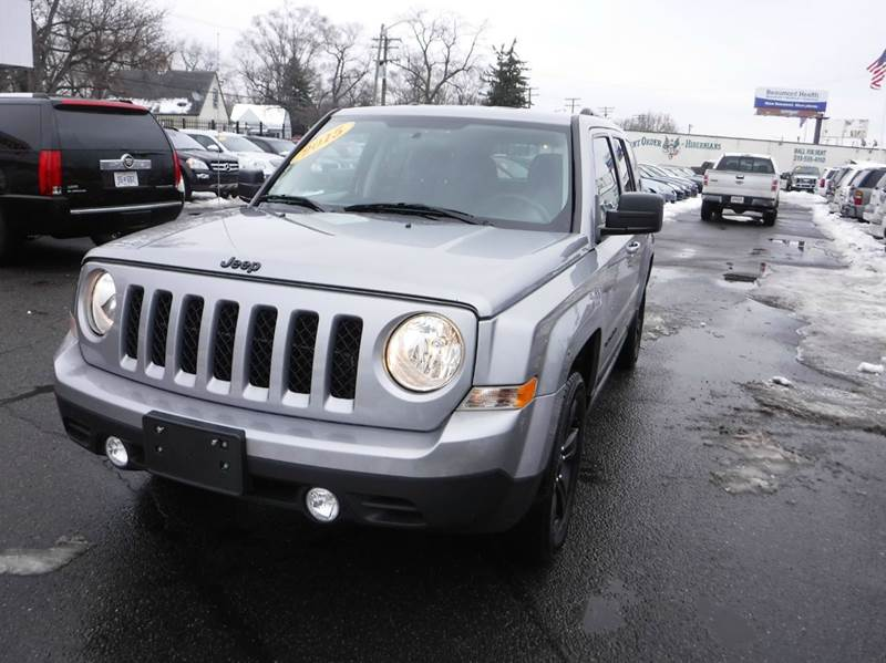 2015 JEEP PATRIOT SPORT 4DR SUV silver 2015 jeep patriot sport like newlow milesfinancing av