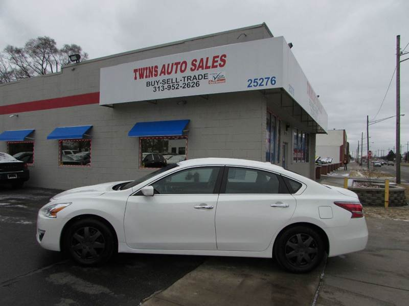 2015 NISSAN ALTIMA 25 4DR SEDAN white 2015 nissan altimalike newlow milesfinancing availabl